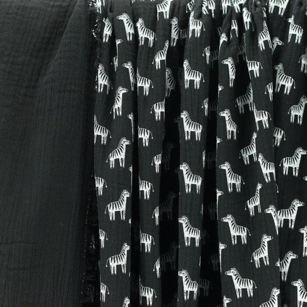 Tissus Double Gaze Imprimée Zèbre Noir et blanc © Eyrelles Tissus
