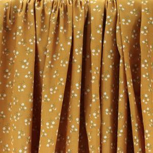 """Tissu coton imprimé """"Gypsophile - Jaune Moutarde"""" © Eyrelles Tissus"""