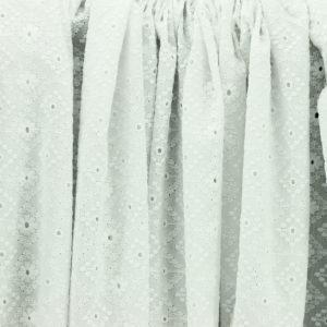 Tissu broderie anglaise Ava Blanc 100% coton © Eyrelles Tissus