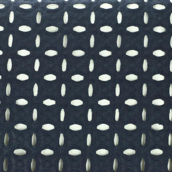 Tissu broderie anglaise Olivia Bleu Marine 100% coton © Eyrelles Tissus