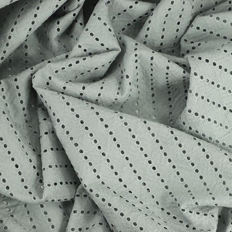 Tissu broderie anglaise Elizabeth gris 100% coton © Eyrelles Tissus