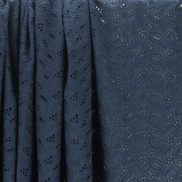 Tissu broderie anglaise Daniela Bleu Marine 100% coton © Eyrelles Tissus